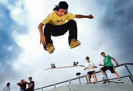 skaters_wideweb__430x293.jpg