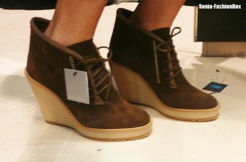 boots-daim-compensees-Zara-FashionBox.jpg